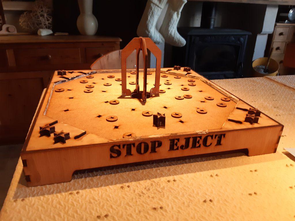 Stop Eject le Jouet bois façon billard indien